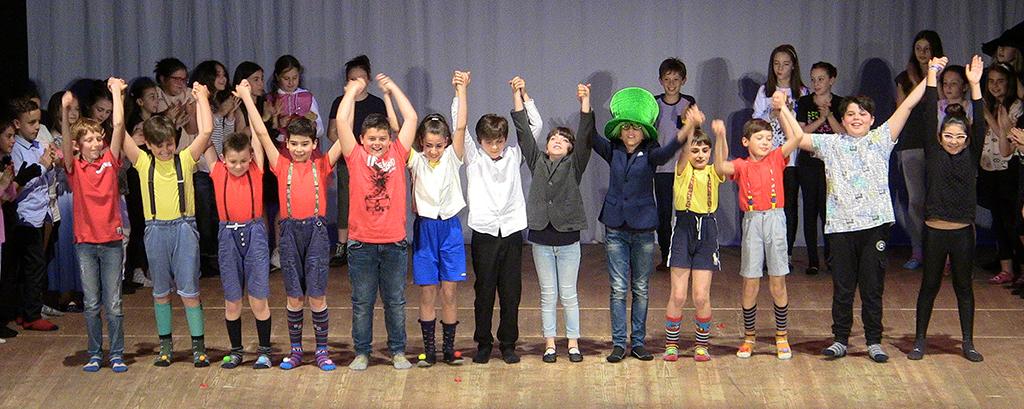 Il Teatro è Scuola : in scena più di 300 ragazzi